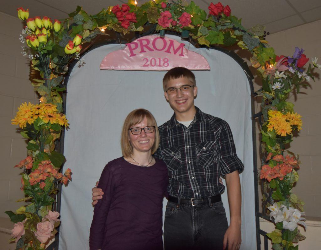Prom 28
